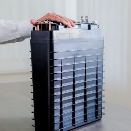 New green energy storage system, zinc-air battery